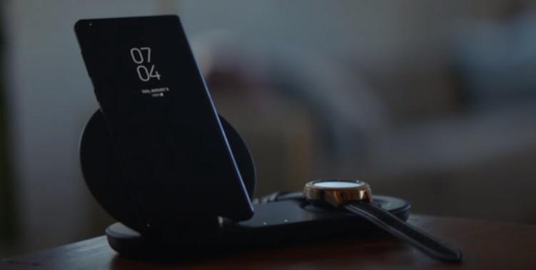 Los teléfonos y relojes inteligentes se complementan